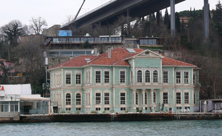 Hatice Sultan Yalısı (Hatice Sultan Waterfront Mansion)